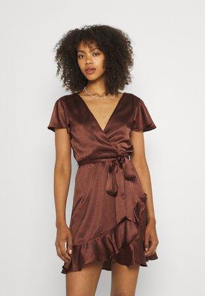 PERFECT MOMENT DRESS - Jurk - dark brown