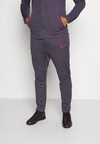 Nike Performance - DRY ACADEMY SUIT SET - Trainingspak - dark raisin/siren red/siren red - 3
