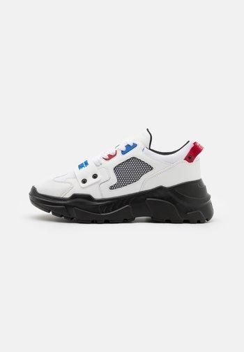 SPEEDTRACK - Sneakers basse - bianco/blood