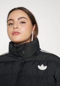 adidas Originals - SHORT PUFFER - Veste d'hiver - black - 6