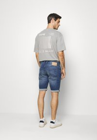 TOM TAILOR - JOSH SUPERSTRETCH - Denim shorts - light stone wash denim - 2