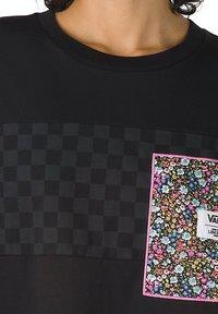 Vans - WM VANS MADE WITH LIBERTY FABRIC TEE - Print T-shirt - (liberty fabric) black - 2