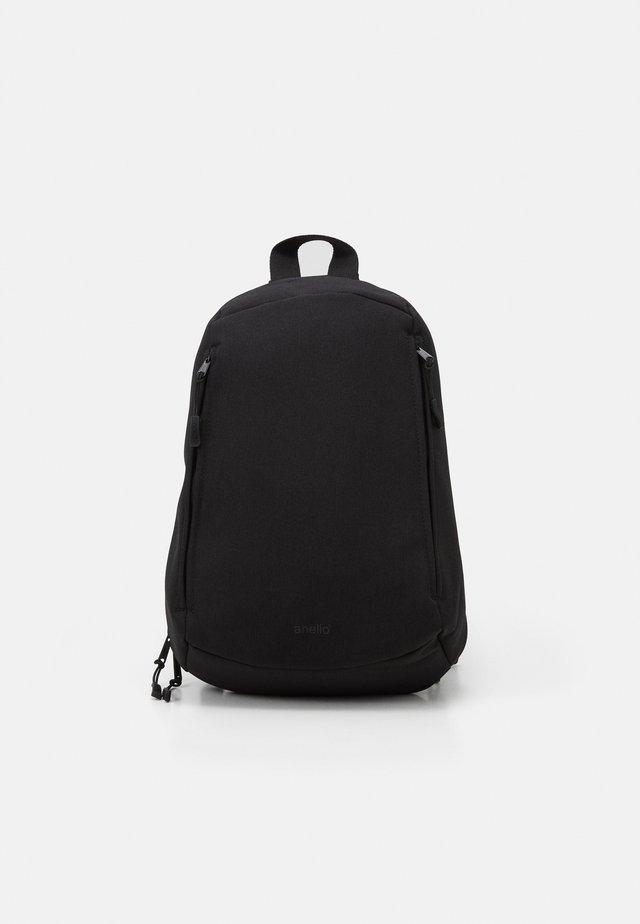 ONE STRAP BAG SLOUCHY - Batoh - black