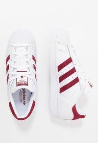 adidas Originals - SUPERSTAR - Sneakersy niskie - footwear white/collegiate burgundy - 1