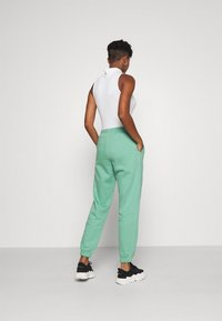 Weekday - TIN - Tracksuit bottoms - green - 2