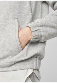 s.Oliver - Zip-up sweatshirt - gray - 5