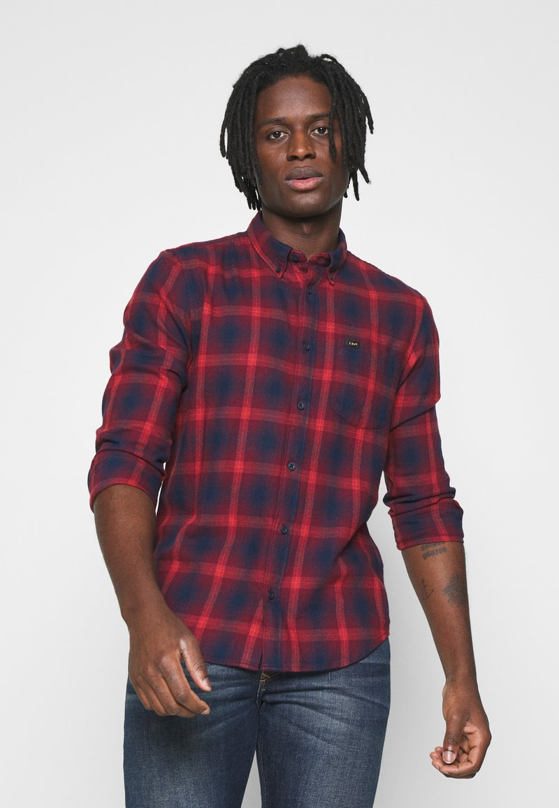 Lee - BUTTON DOWN - Skjorta - dark blue/red