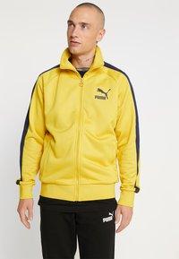 Puma - ICONIC TRACK - Zip-up hoodie - sulphur - 0