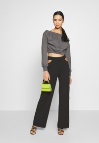 Nly by Nelly - OFF SHOULDER - Sweatshirt - off black - 1