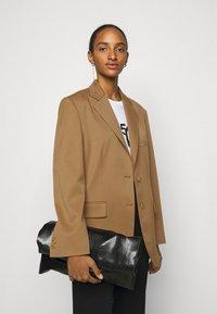 MM6 Maison Margiela - Short coat - camel - 3
