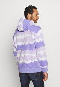 adidas Originals - HOODY UNISEX - Sweatshirt - light purple/multicolor - 2