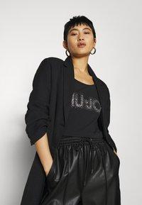 Liu Jo Jeans - MODA - Print T-shirt - nero - 3