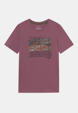 JORSWIRL TEE CREW NECK JR - Camiseta estampada - bordeaux