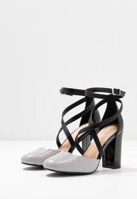 Wallis - CURTIS - High heels - black/white - 4
