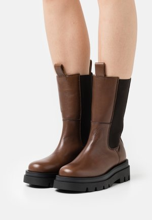 SOHO - Boots - brown