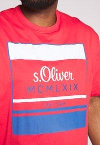 s.Oliver - KURZARM - Print T-shirt - red - 5
