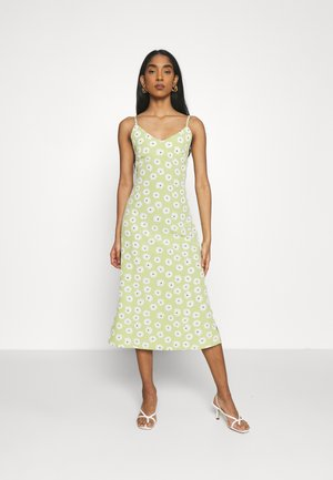 CARE MIDI DRESSES WITH NARROW STRAPS AND SIDE SPLIT - Korte jurk - green
