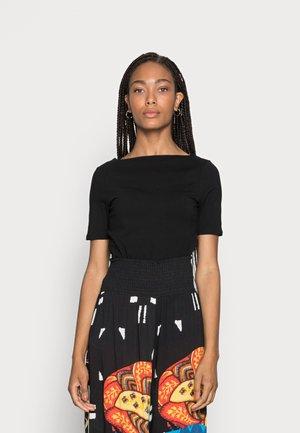 BOAT NECK TEE - T-shirt - bas - deep black