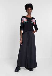 Desigual - BY MARIA ESCOTÉ - Sweter - black - 1