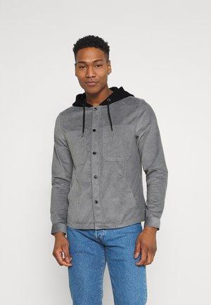 HOODED OVERSHIRT - Skjorta - light grey / black hood
