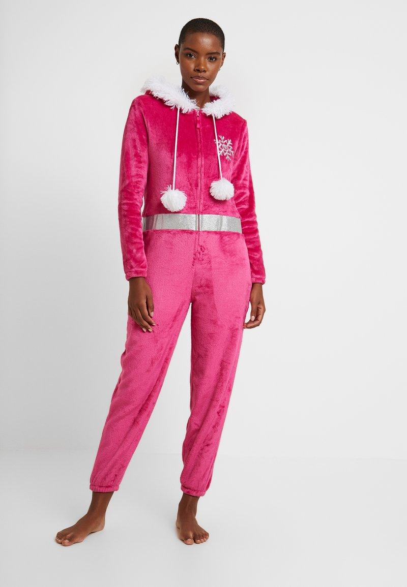Loungeable - APRES SKI ONESIE - Pyjamas - pink