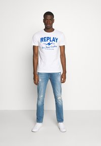 Replay - TEE - T-shirt con stampa - white - 1