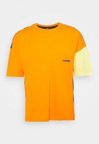 Hummel Hive - UNISEX - T-shirt imprimé - carrot - 4