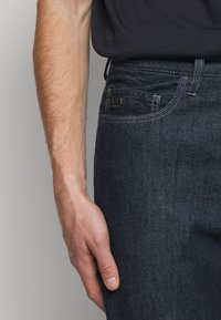 Emporio Armani - Relaxed fit jeans - blue - 5