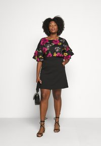 CAPSULE by Simply Be - FLUTED SLEEVE BOXY - Blouse - berry - 1