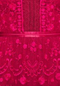 Needle & Thread - LOTTIE MIDI DRESS - Koktejlové šaty/ šaty na párty - deep red - 5