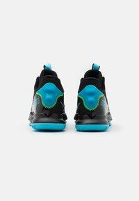 Nike Performance - LEBRON WITNESS 5 - Scarpe da basket - black/lagoon pulse/green strike - 2