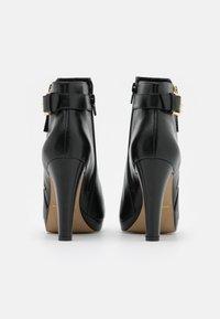 San Marina - VASKEN - Kotníkové boty na platformě - noir - 3