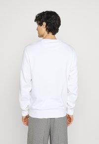 Lacoste - Sweatshirt - blanc - 2