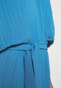 Henrik Vibskov - NEW JELLY DRESS PLISSE - Denní šaty - blue - 6