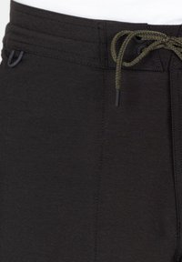 Roark - Shorts - black - 2