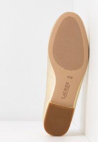 Lauren Ralph Lauren - METALLIC GISSELLE - Ballet pumps - pale gold - 6