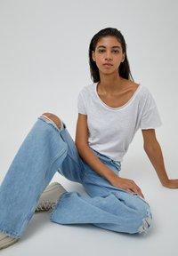 PULL&BEAR - Jeans straight leg - blue-grey - 6