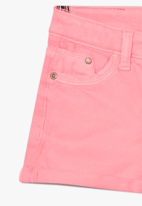 Vingino - DELIA - Denim shorts - neon pink - 2