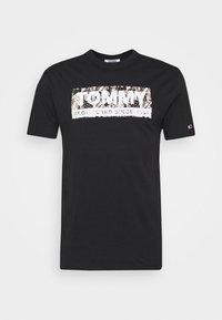Tommy Jeans - LOGO TEE - T-shirts print - black - 3