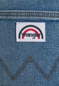 Wrangler - Flared jeans - dusty mid - 5