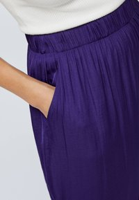 OYSHO - Kangashousut - dark purple - 5