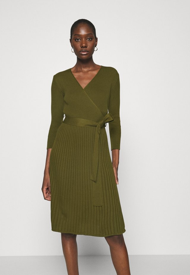 WRAP DRESS - Stickad klänning - khaki