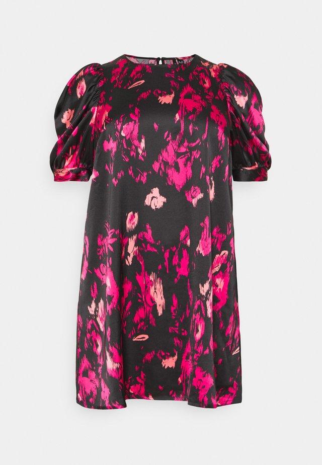 VMFRIDA SHORT DRESS - Vapaa-ajan mekko - bright rose