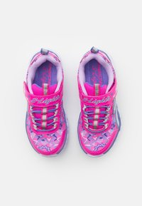 Skechers - HEART LIGHTS - Trainers - neon pink