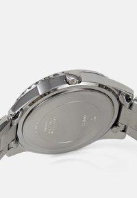 Guess - LADIES DRESS - Reloj - silver-coloured - 2