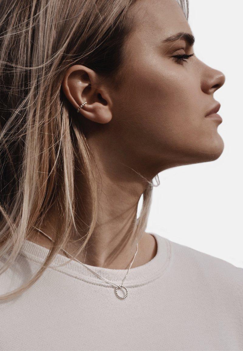 No More - CHAMPAGNE EAR CUFF - Earrings - silver