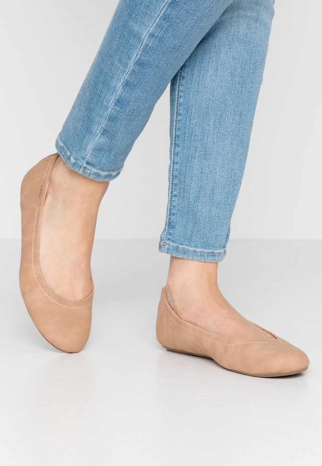 ALYA  - Ballet pumps - camel