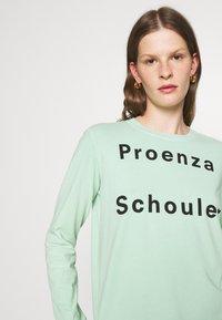 Proenza Schouler White Label - LONG SLEEVE LOGO - Long sleeved top - spearmint - 3