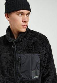 PULL&BEAR - Fleece jacket - mottled black - 4