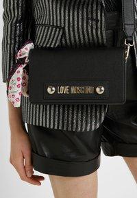 Love Moschino - Across body bag - nero - 1